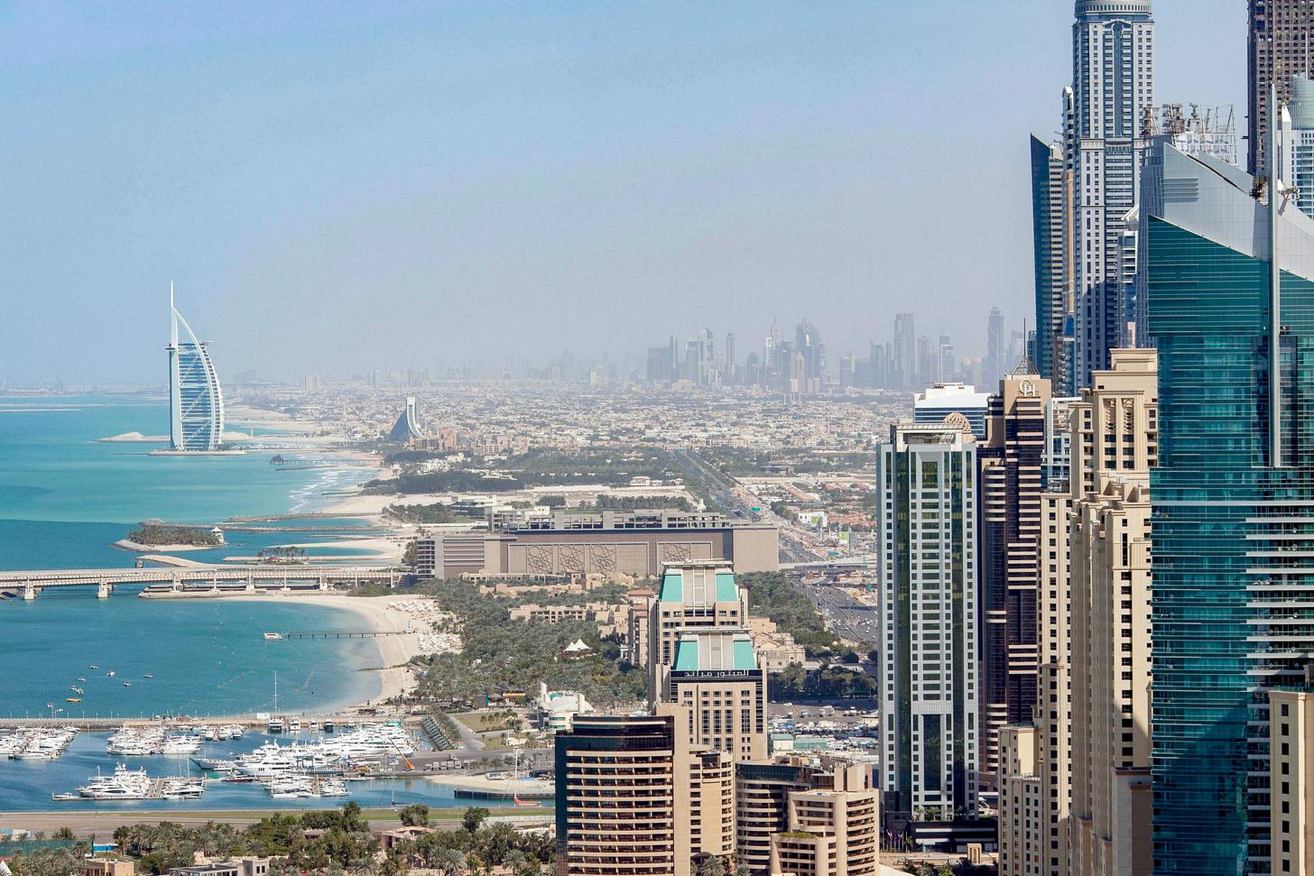 Prachtig uitzicht over de kust van Dubai.