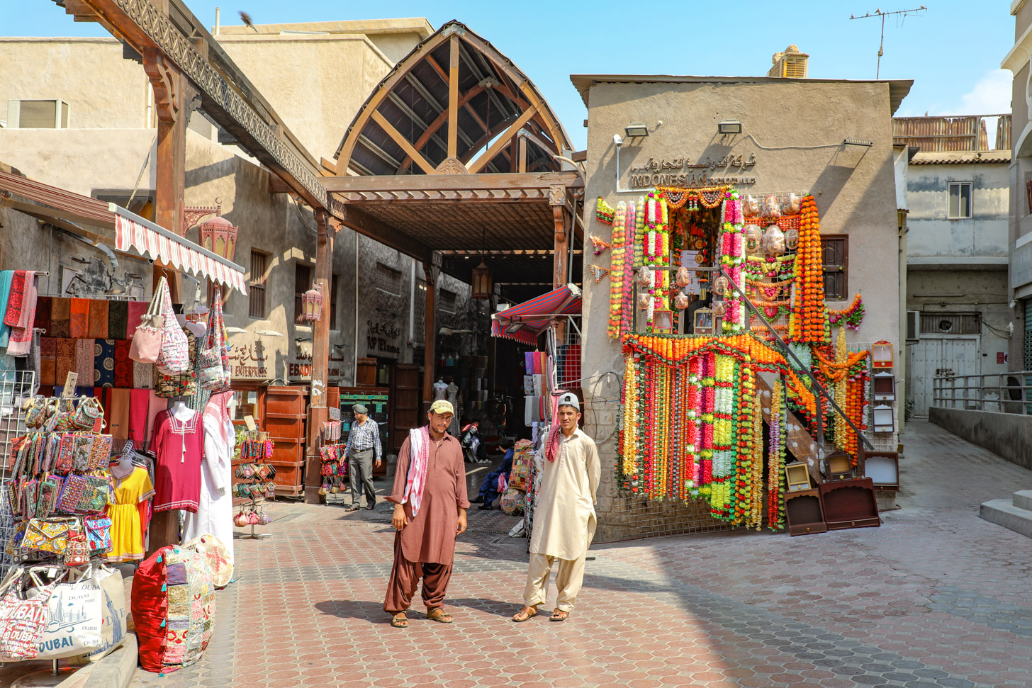 De traditionele souk in de oude wijk Bur Dubai.
